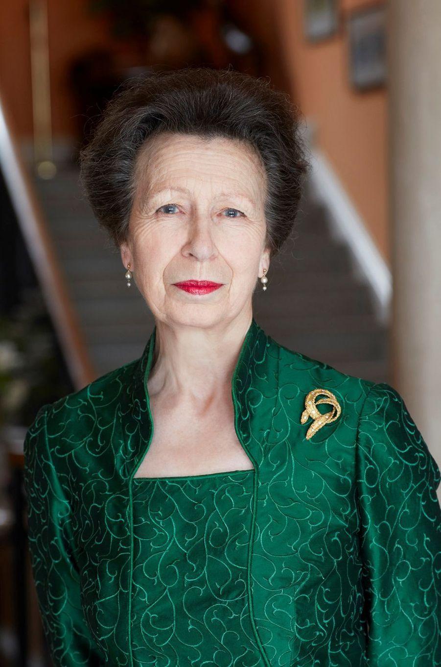 L'un des trois portraits officiels des 70 ans de la princesse Anne, par le photographe John Swannell, pris fin février 2020 et dévoilé le 14 août 2020