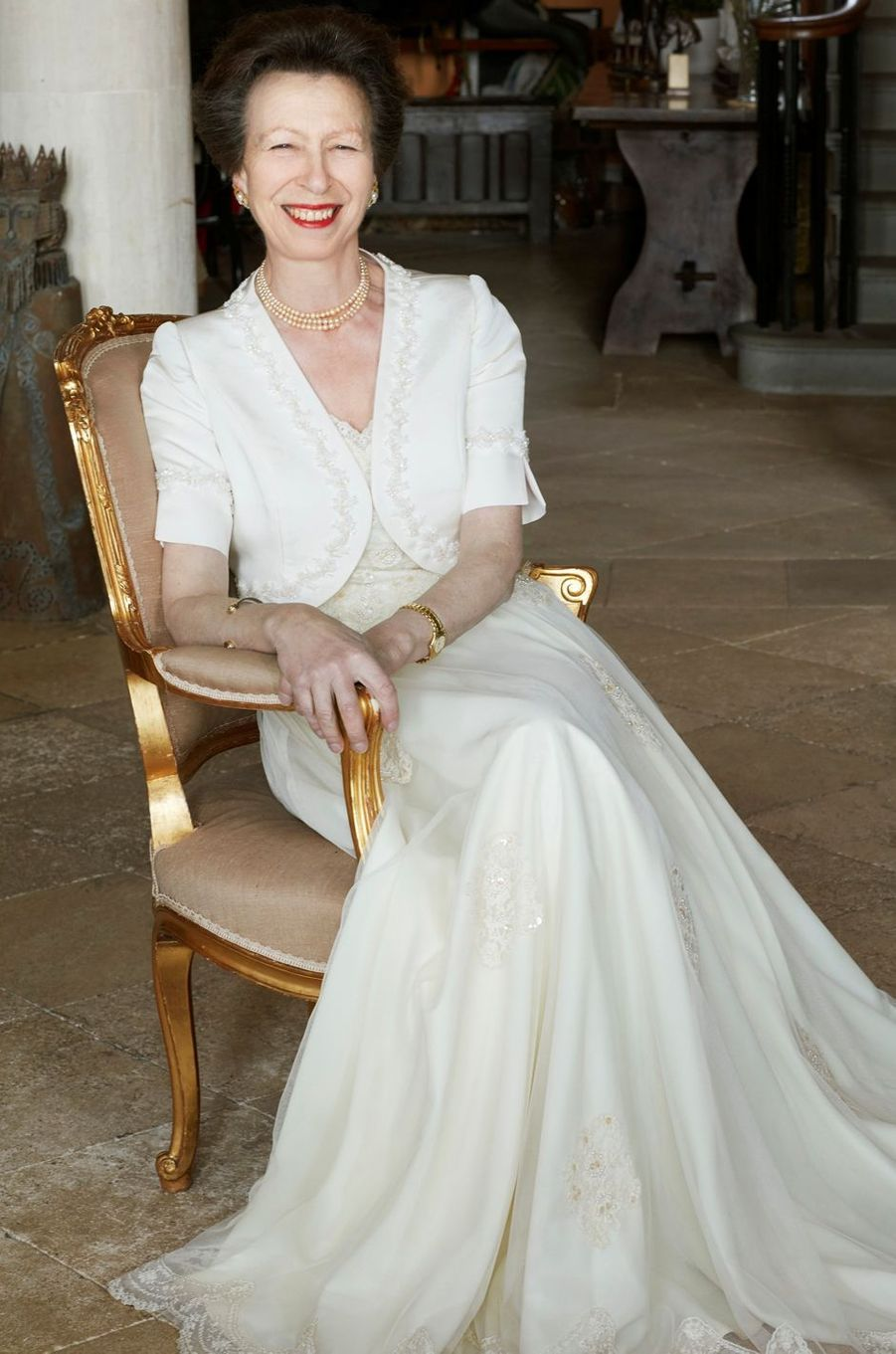 L'un des trois portraits officiels des 70 ans de la princesse Anne, par John Swannell, pris fin février 2020 et dévoilé le 14 août 2020