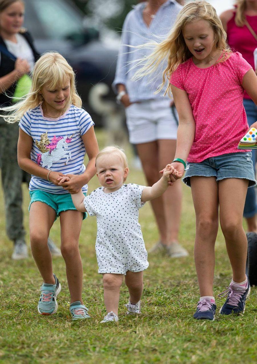 Lena Tindall et ses cousines Isla et Savannah Phillips à Gatcombe Park, le 4 août 2019