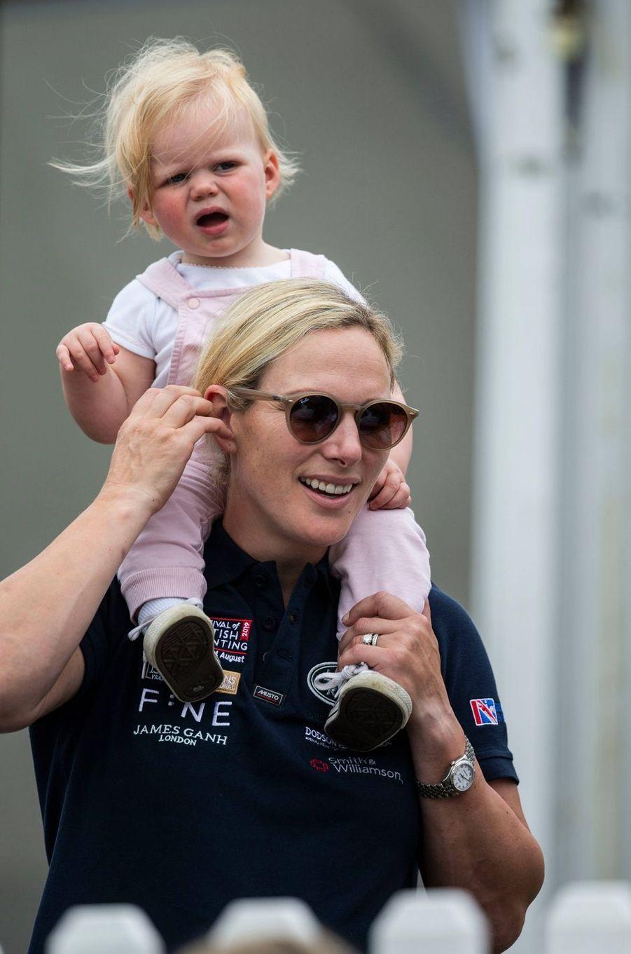 Zara Phillips et sa fille cadette Lena Tindall à Gatcombe Park, le 4 août 2019