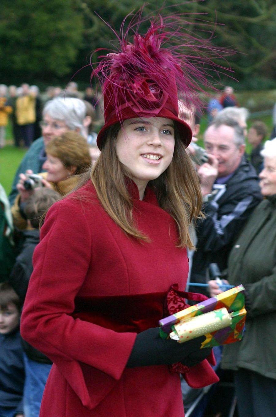 Le chapeau de la princesse Eugenie d'York, le 25 décembre 2002