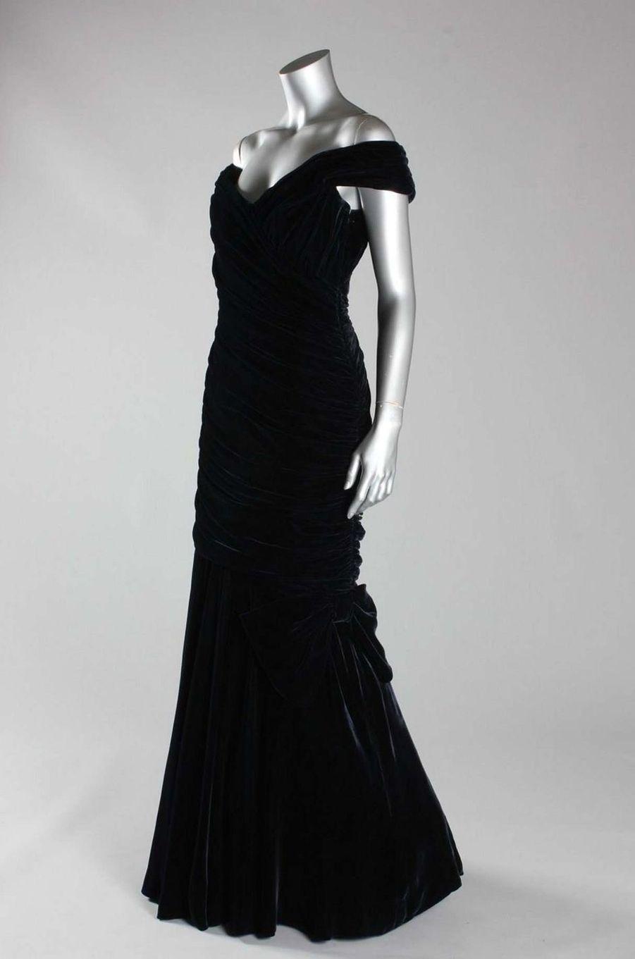 La robe que Lady Diana portait à la Maison Blanche à Washington, le 9 novembre 1985