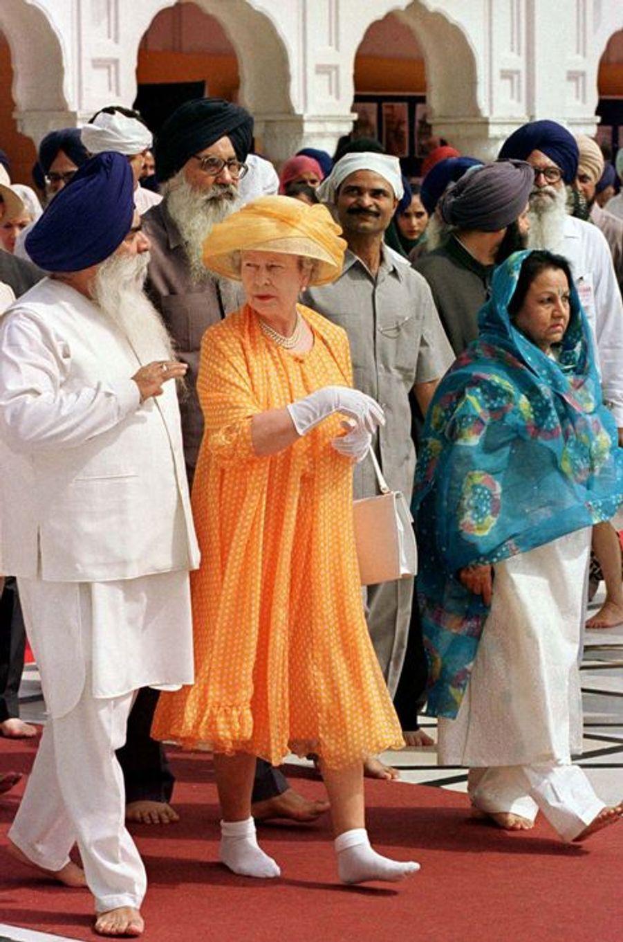 La reine Elizabeth II à Armritsar, le 14 octobre 1997