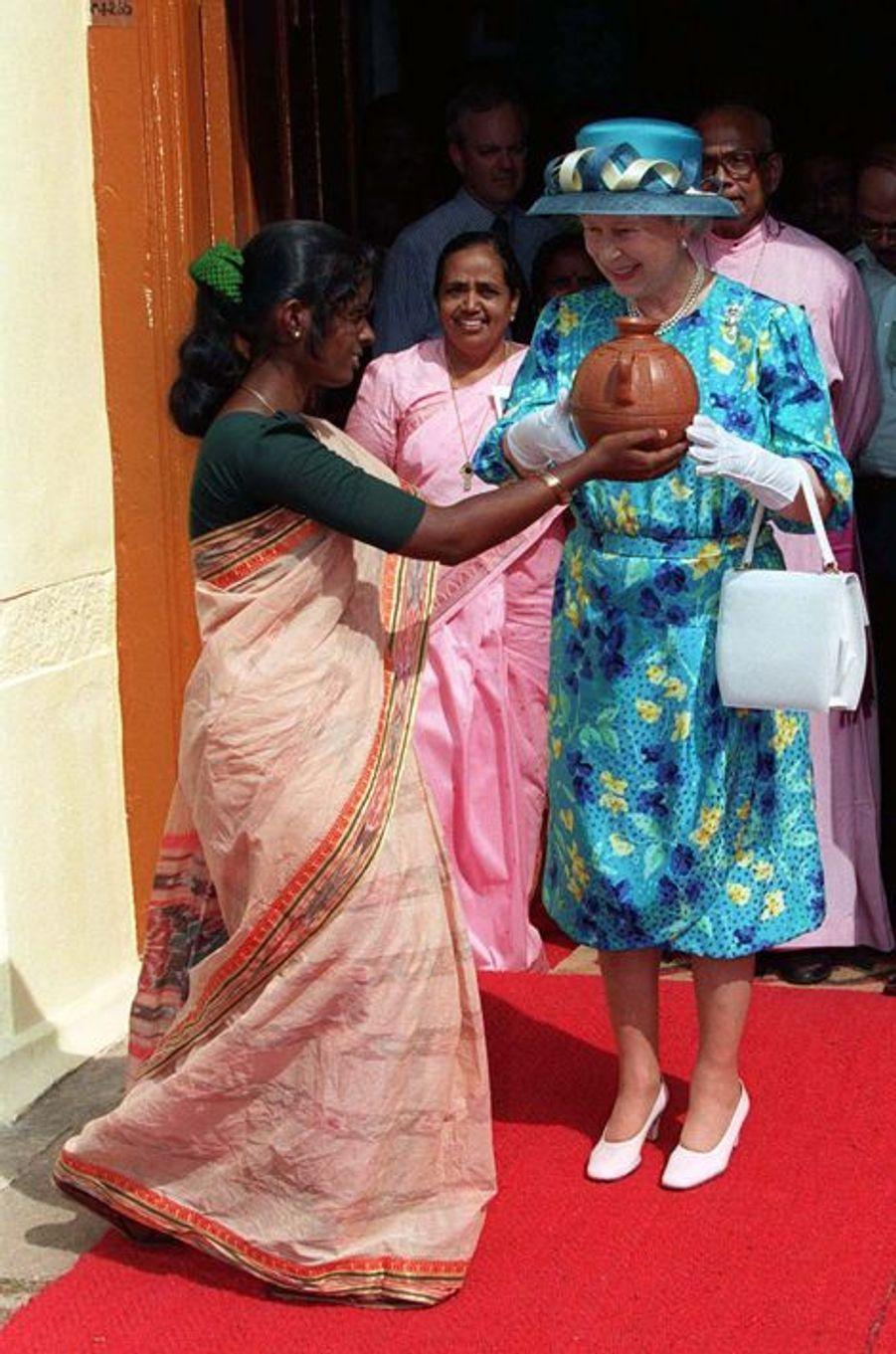 La reine Elizabeth II à Cochin, le 17 octobre 1997