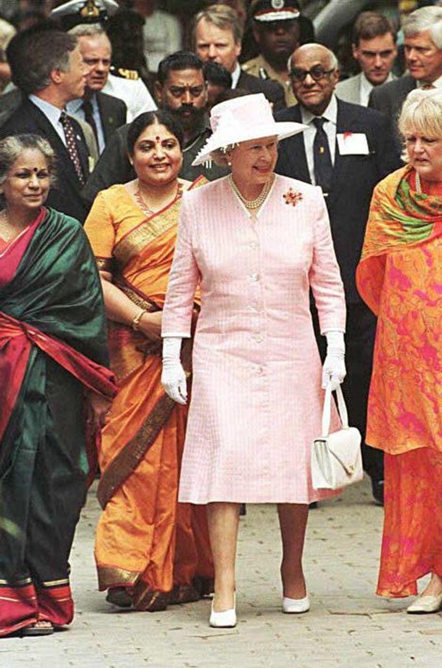 La reine Elizabeth II à Madras, le 18 octobre 1997