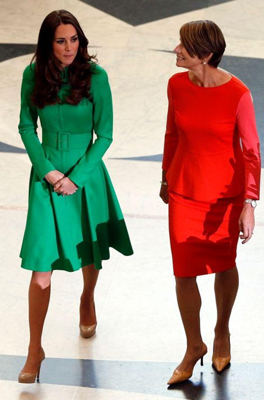 La duchesse Catherine de Cambridge en Catherine Walker à Canberra, le 24 avril 2014
