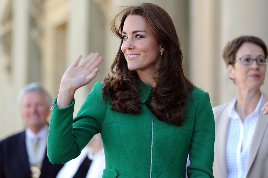 La duchesse Catherine de Cambridge en Erdem à Leeds, le 5 juillet 2014