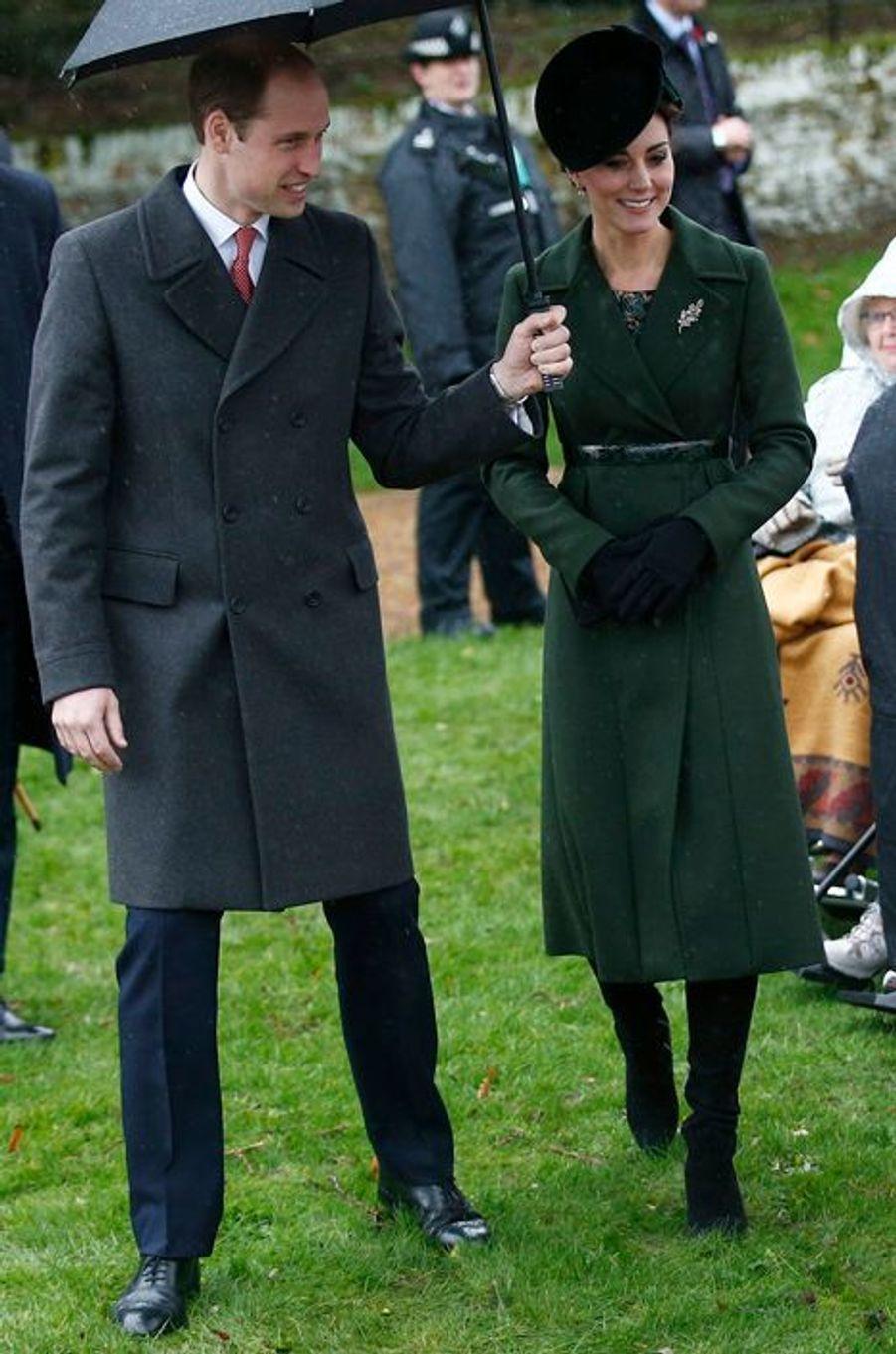La duchesse Catherine de Cambridge en Sportmax à Sandringham, le 25 décembre 2015