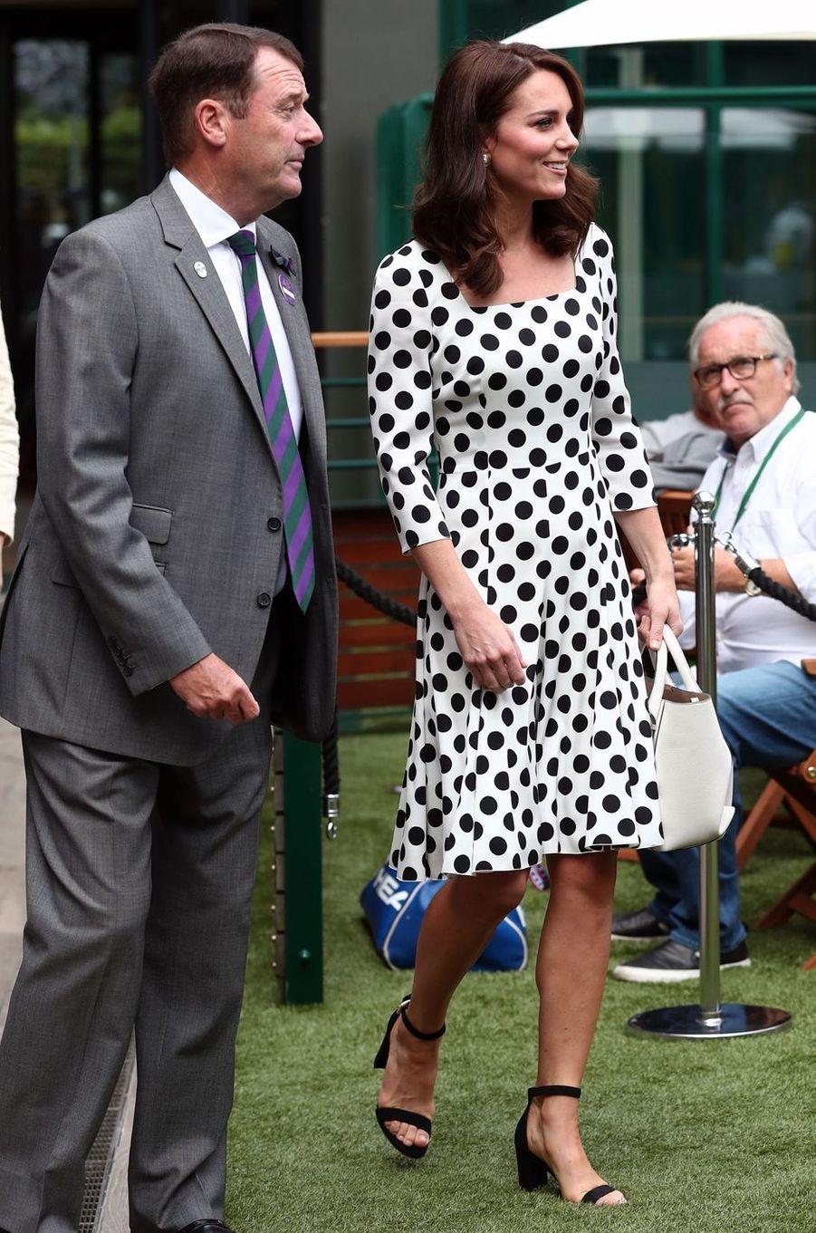 La duchesse Catherine de Cambridge en Dolce & Gabbana à Wimbledon, le 3 juillet 2017