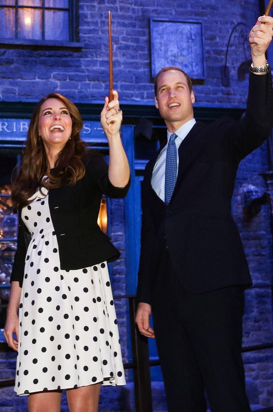 La duchesse Catherine de Cambridge enceinte de prince George à Londres, le 26 avril 2013