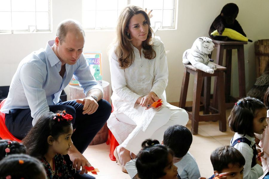Kate Middleton et le prince William à l'orphelinat SOS Children à Lahore, au Pakistan, le 17 octobre 2019