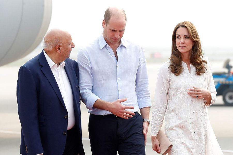 Kate Middleton et le prince William arrivent à Lahore, au Pakistan, le 17 octobre 2019