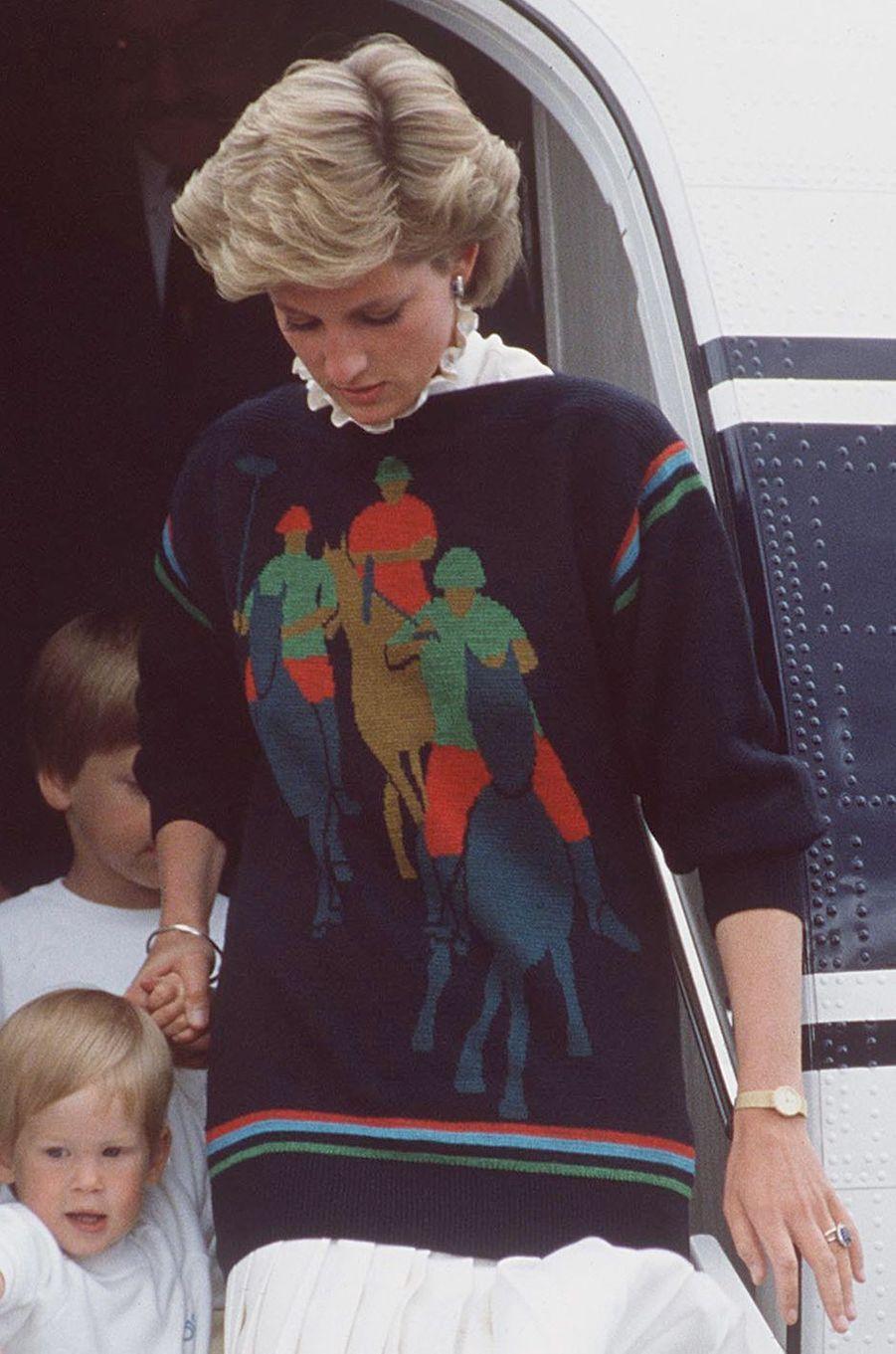 Le pull joueurs de polo de la princesse Diana, le 16 août 1986