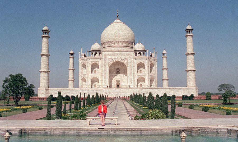 Lady Diana si seule au Taj Mahal, le 11 février 1992