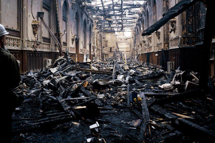 Le hall St George après l'incendie du château de Windsor, en novembre 1992