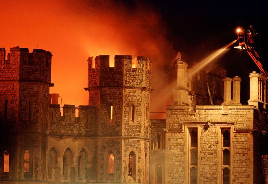 Le château de Windsor en flammes, le 20 novembre 1992