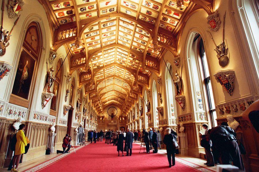 Le hall St George du château de Windsor restauré, le 17 novembre 1997
