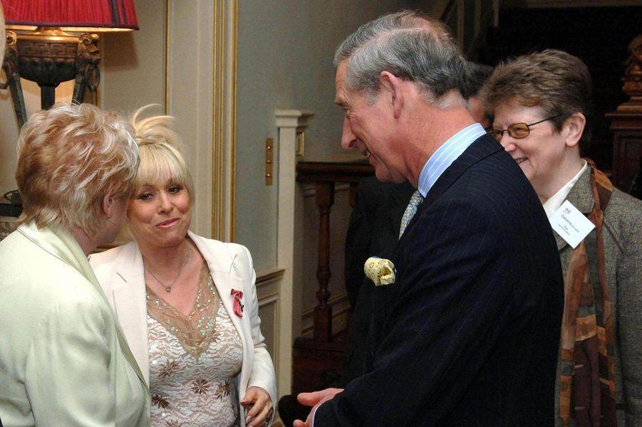 Le prince Charles avec Barbara Windsor, le 14 mars 2007