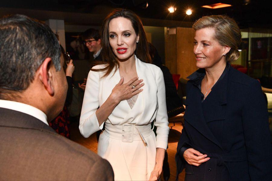 La comtesse Sophie de Wessex et Angelina Jolie à Londres, le 23 novembre 2018