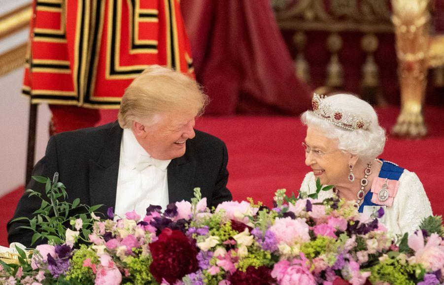 La reine Elizabeth II avec Donald Trump à Buckingham Palace à Londres, le 3 juin 2019