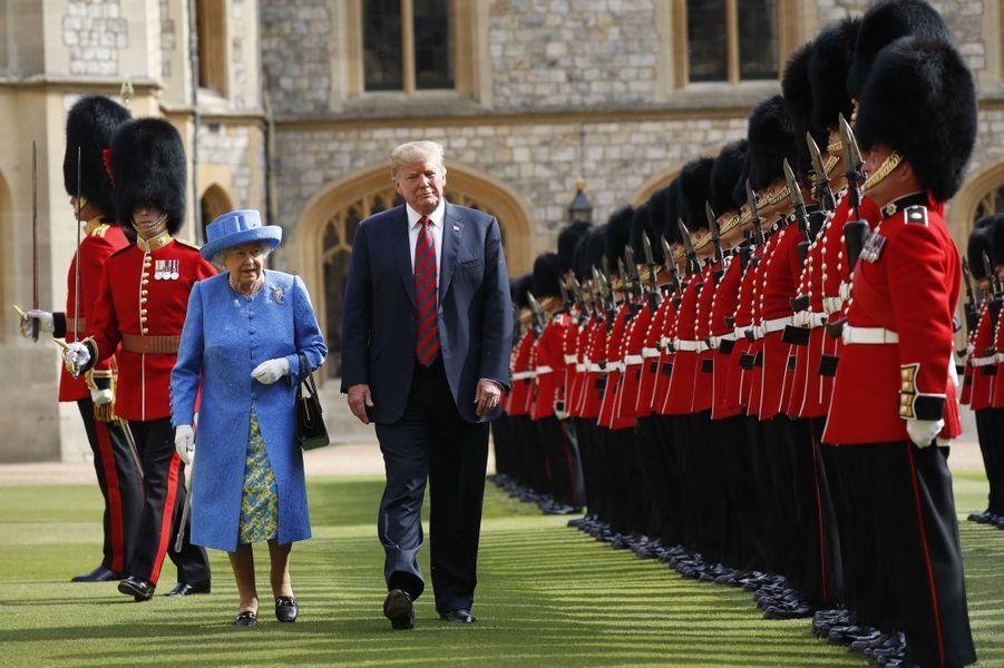 La reine Elizabeth II avec Donald au château de Windsor, le 13 juillet 2018