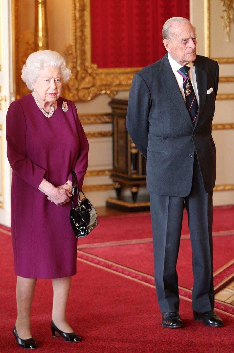 La reine Elizabeth II avec le prince Philip au château de Windsor, le 7 mai 2019