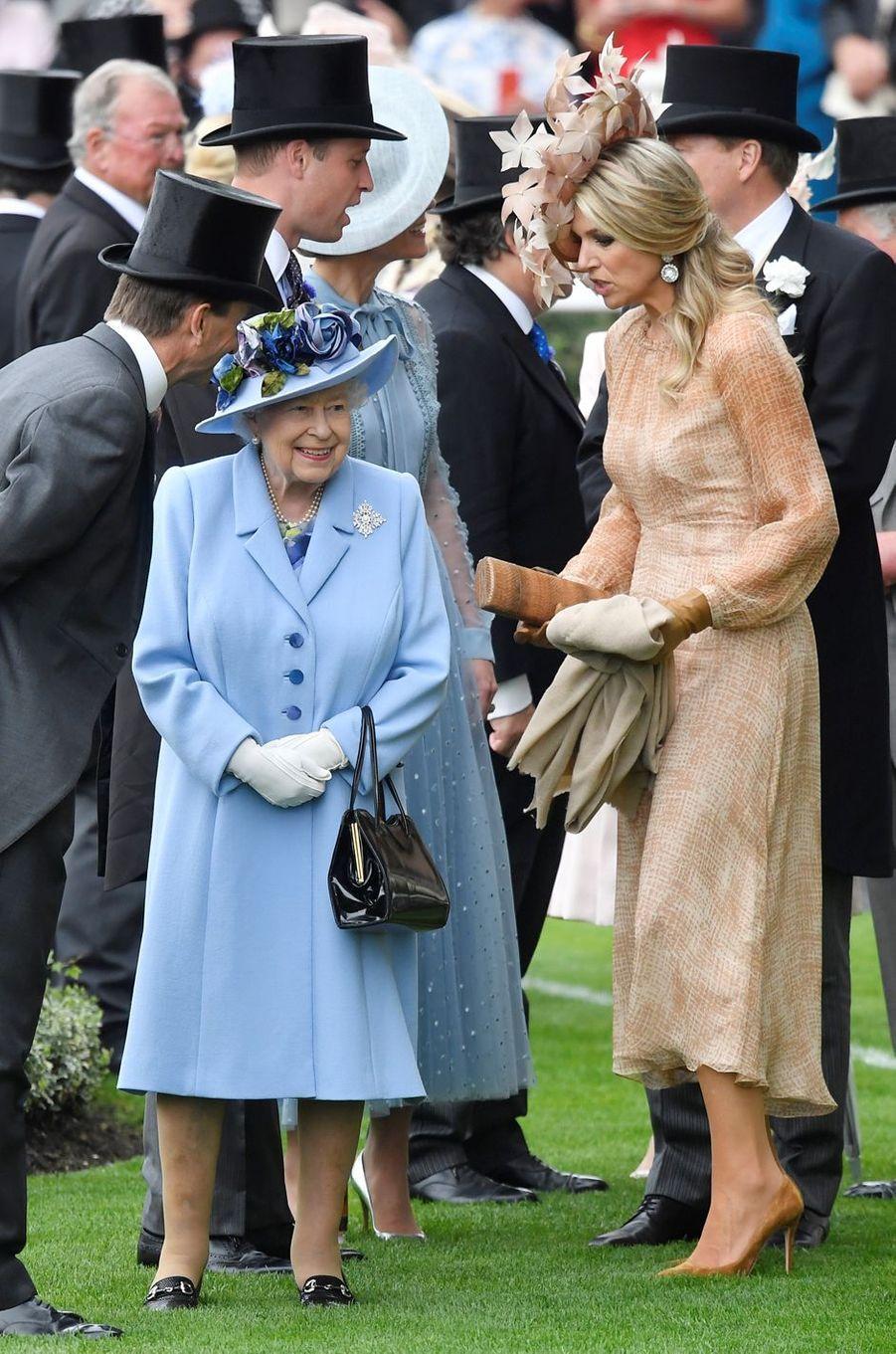 La reine Elizabeth II avec la reine Maxima des Pays-Bas au Royal Ascot, le 18 juin 2019