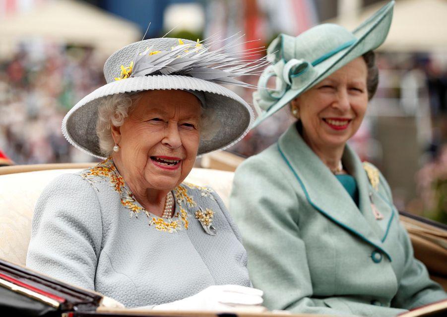La reine Elizabeth II avec la princesse Anne au Royal Ascot, le 20 juin 2019