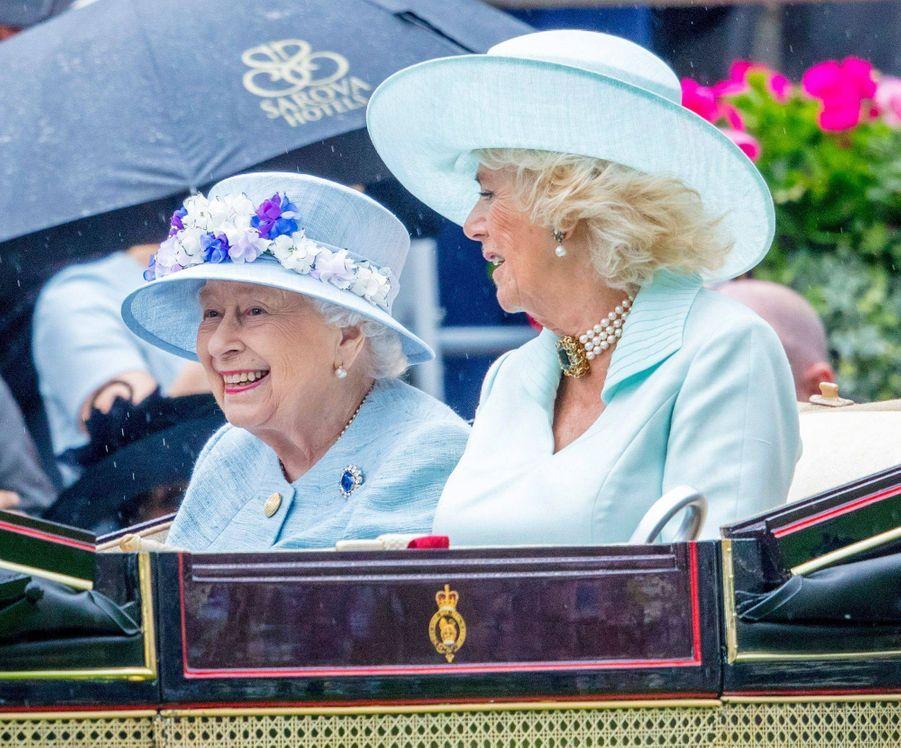 La reine Elizabeth II avec la duchesse de Cornouailles Camilla au Royal Ascot, le 19 juin 2019