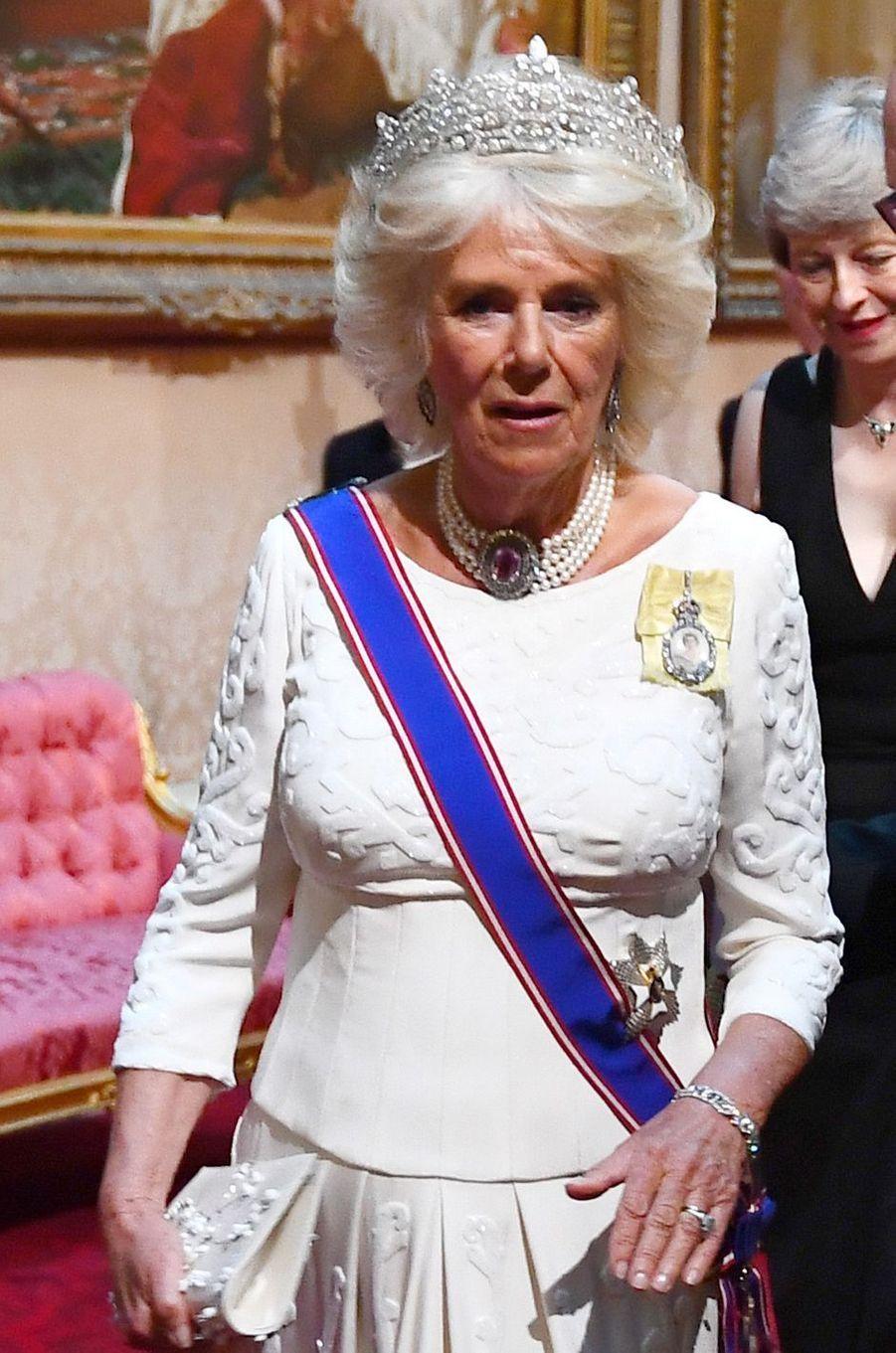Détail de la robe de la duchesse de Cornouailles Camilla, à Londres le 3 juin 2019