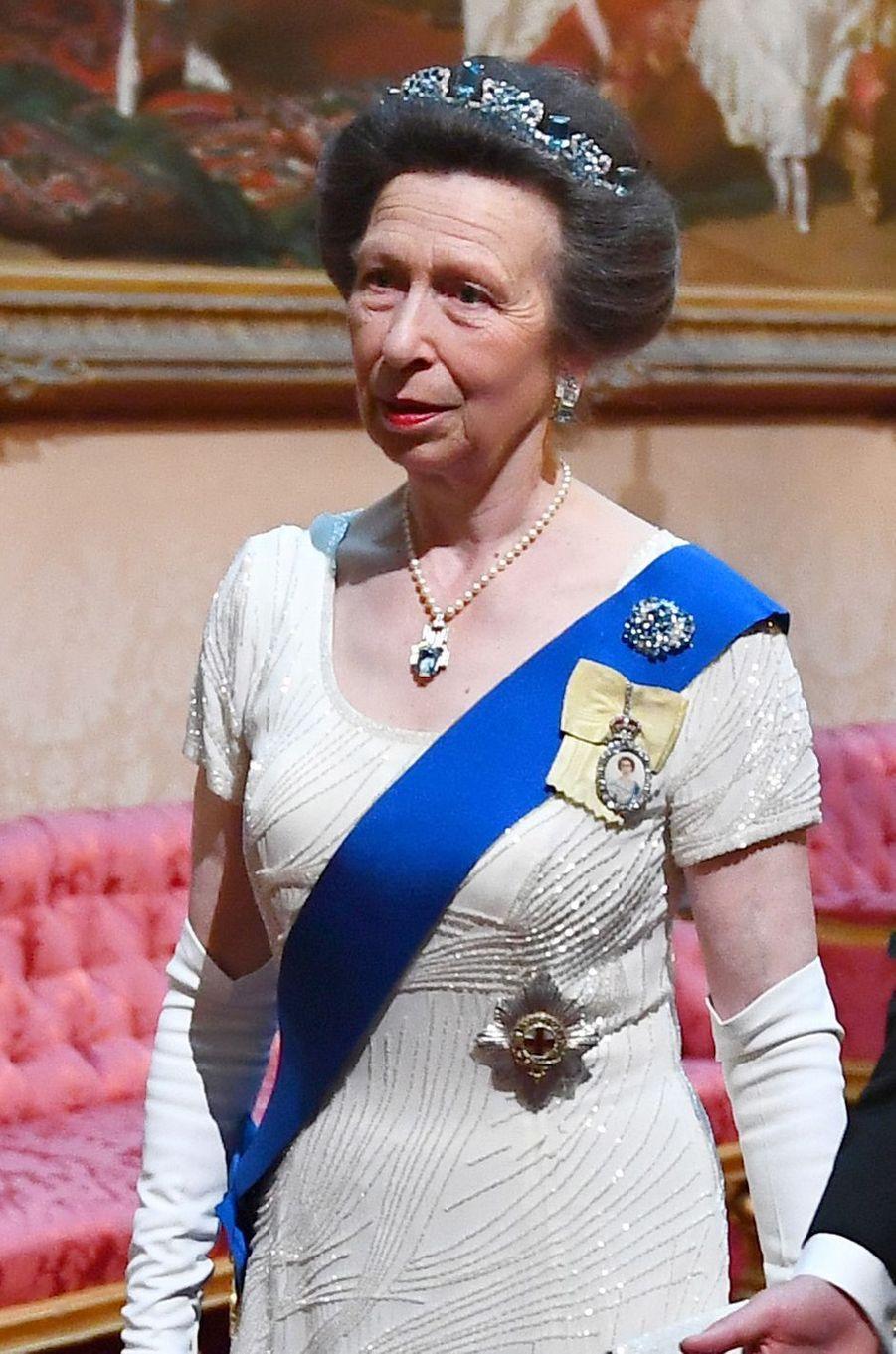 Détail de la robe de la princesse Anne, à Londres le 3 juin 2019