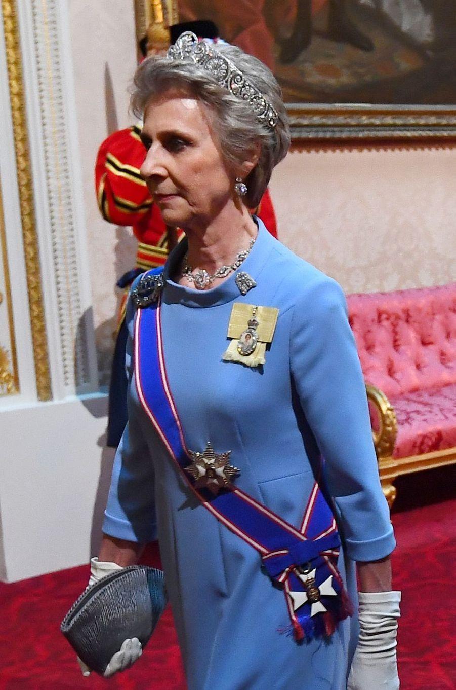 Détail de la robe de la duchesse Birgitte de Gloucester, à Londres le 3 juin 2019