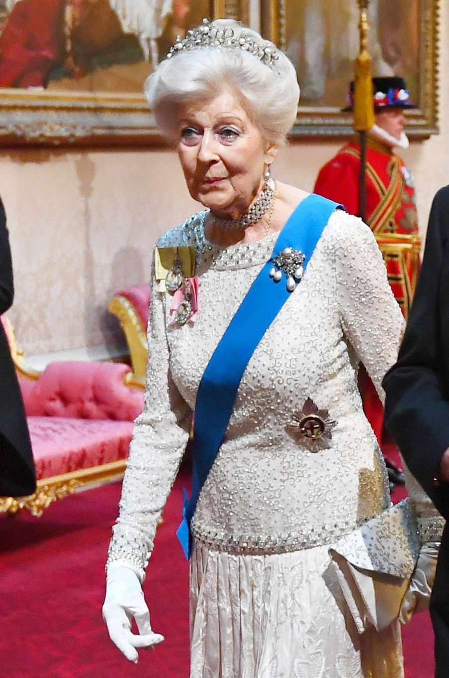 Détail de la robe de la princesse Alexandra de Kent, à Londres le 3 juin 2019