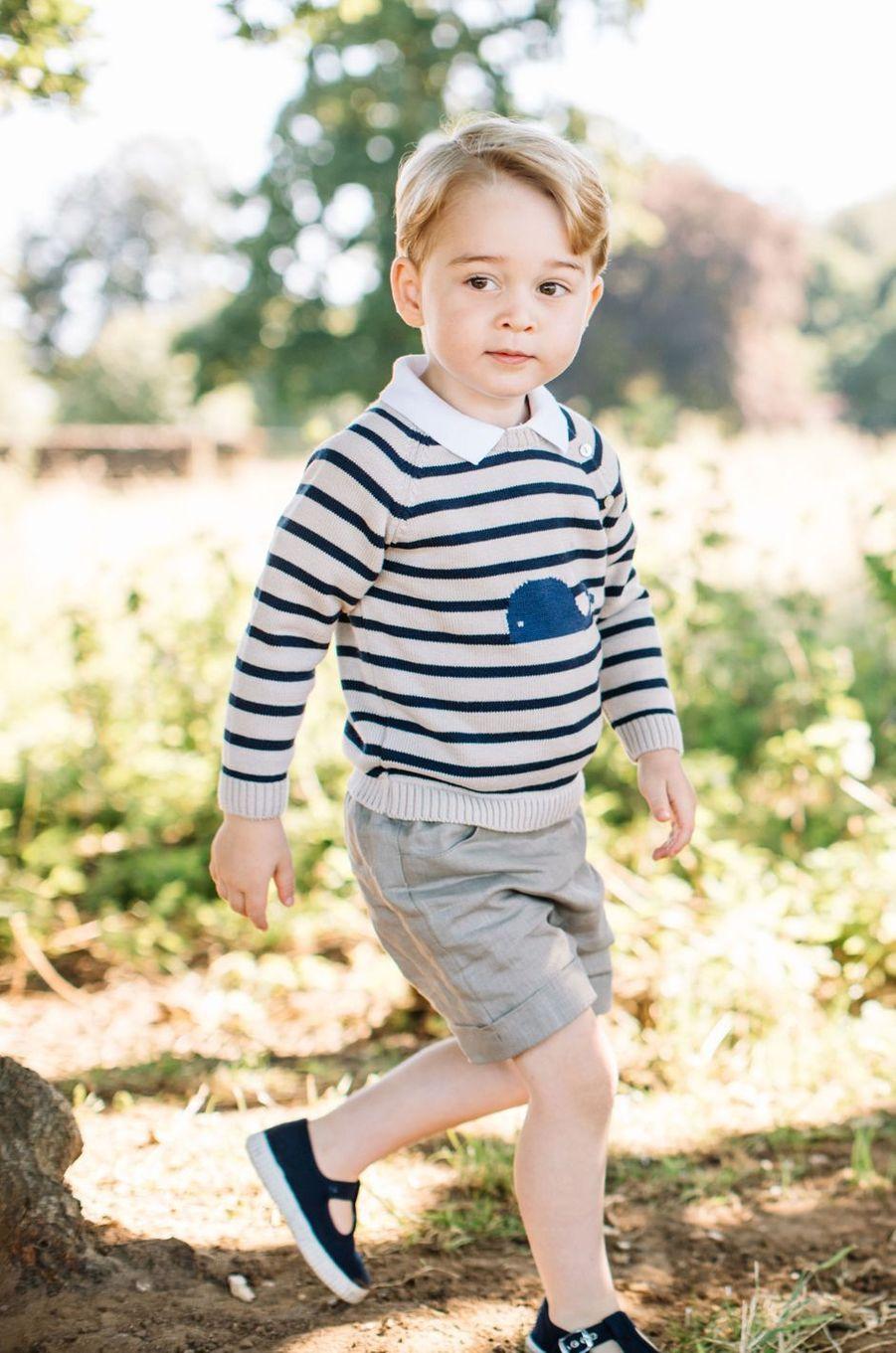 Le prince George, photo diffusée le 22 juillet 2016 pour ses 3 ans