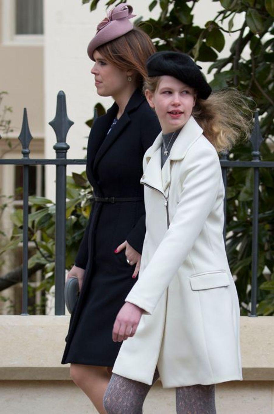 La princesse Eugenie d'York et Lady Louise Windsor à la messe de Pâques à Windsor, le 27 mars 2016