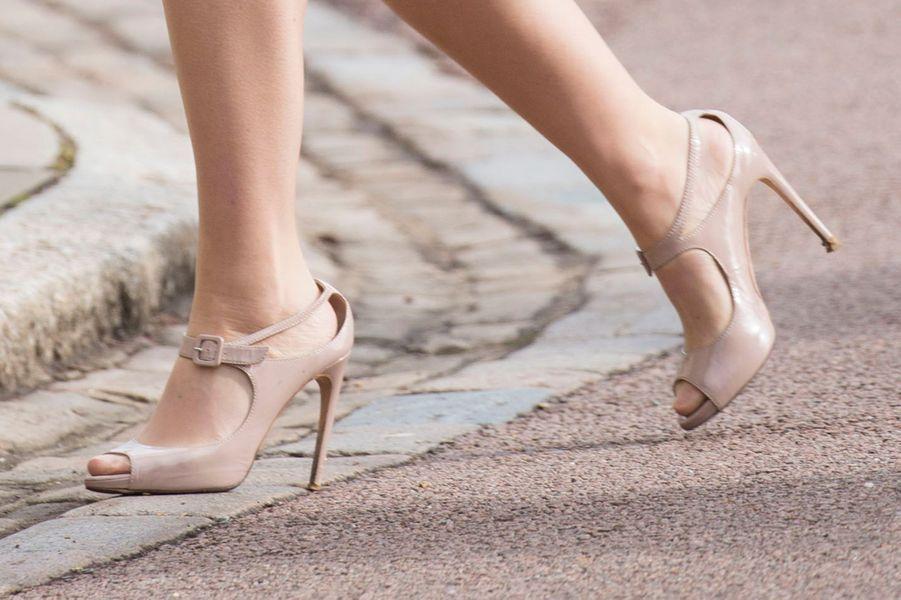 Les chaussures de la princesse Beatrice d'York à la messe de Pâques à Windsor, le 27 mars 2016
