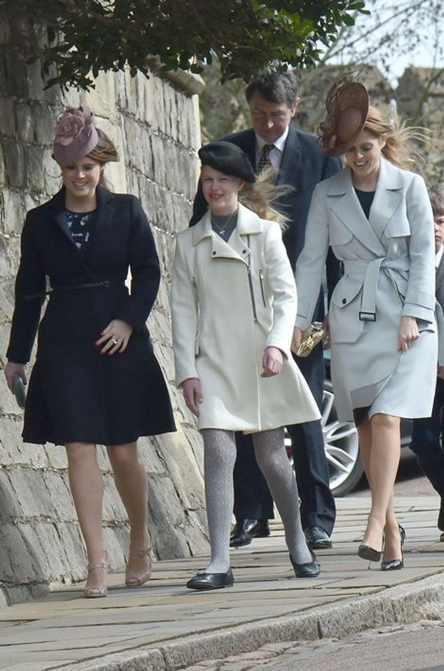 Les princesses Beatrice et Eugenie d'York et Lady Louise Windsor à la messe de Pâques à Windsor, le 27 mars 2016
