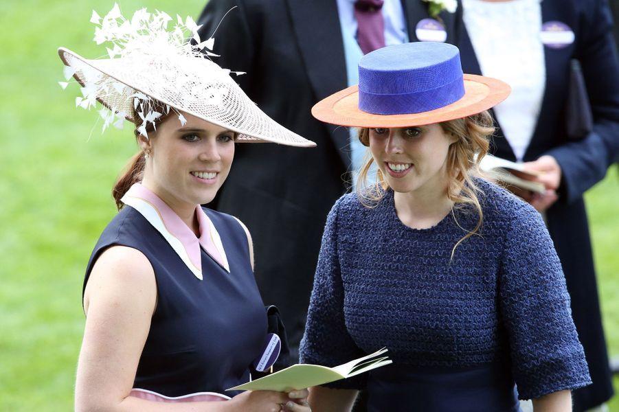 Les princesses Eugenie et Beatrice d'York à Ascot, le 16 juin 2016