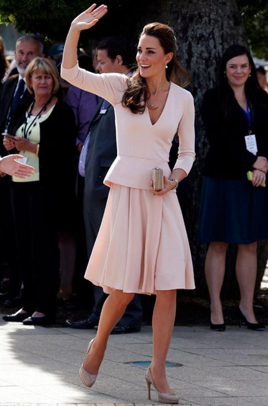Kate en Alexander McQueen, à Adelaïde le 23 avril 2014