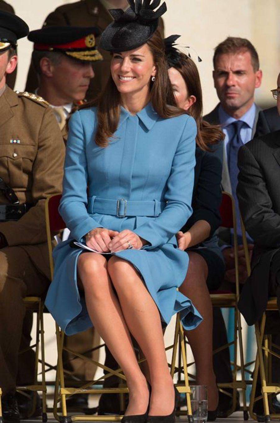 Kate en Alexander McQueen, à Arromanches le 6 juin 2014