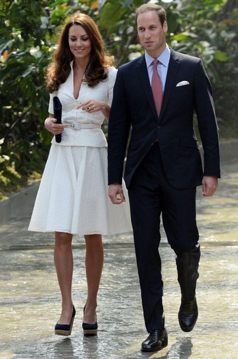 Kate en Alexander McQueen, avec le prince William, à Singapour le 12 septembre 2012