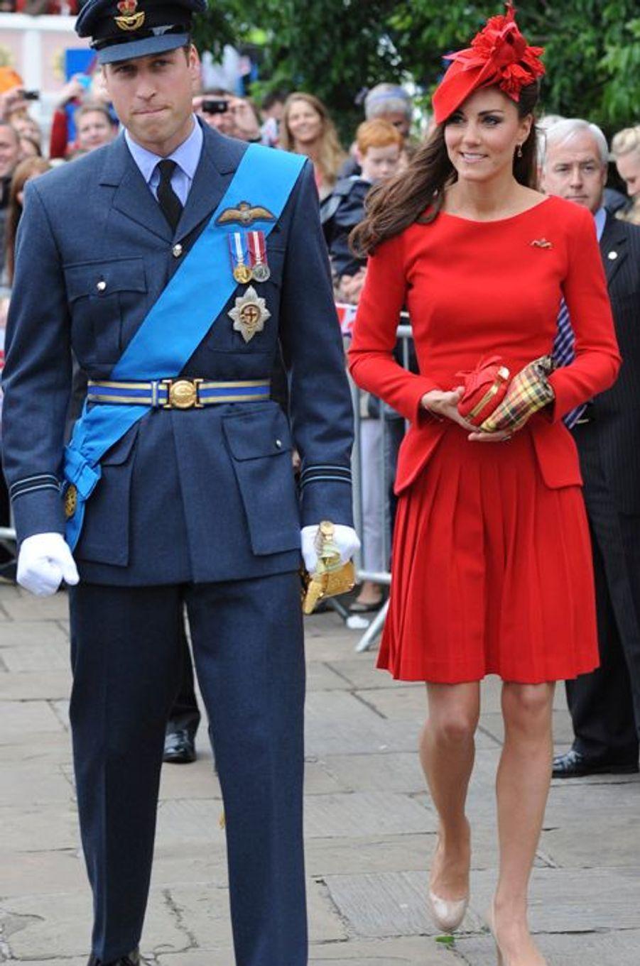 Kate en Alexander McQueen, avec le prince William, le 3 juin 2012