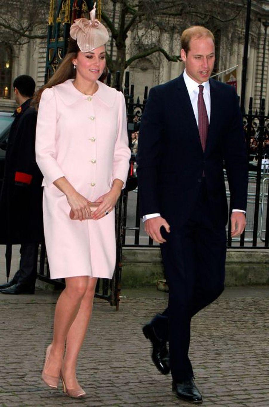 Kate en Alexander McQueen, avec le prince William, le 9 mars 2015