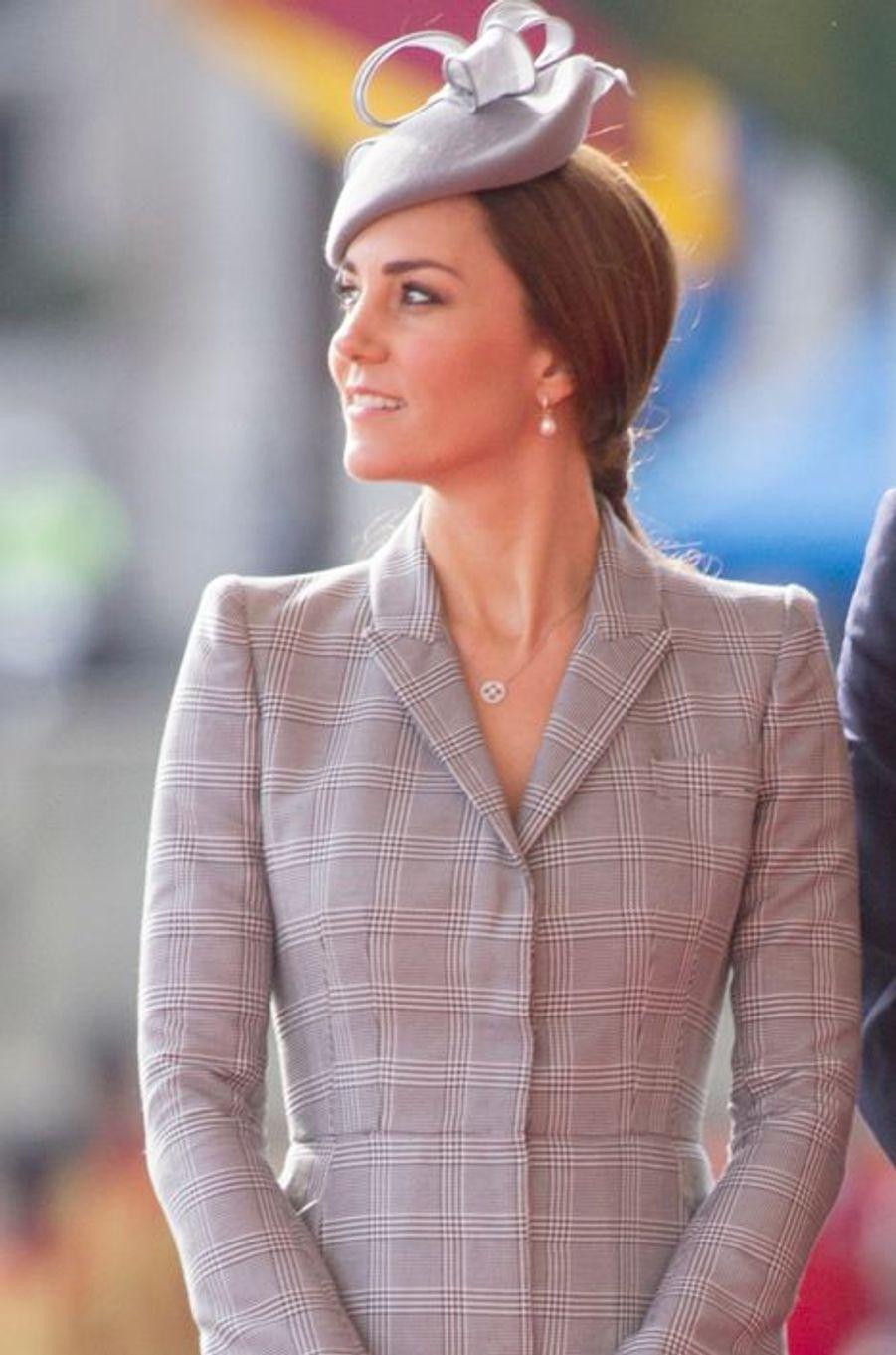 Kate en Alexander McQueen, le 21 octobre 2014