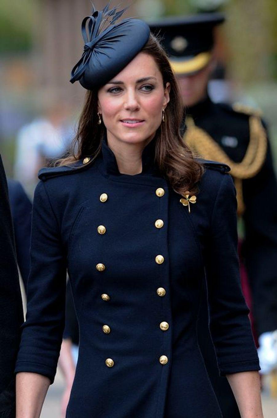 Kate en Alexander McQueen, le 25 juin 2011