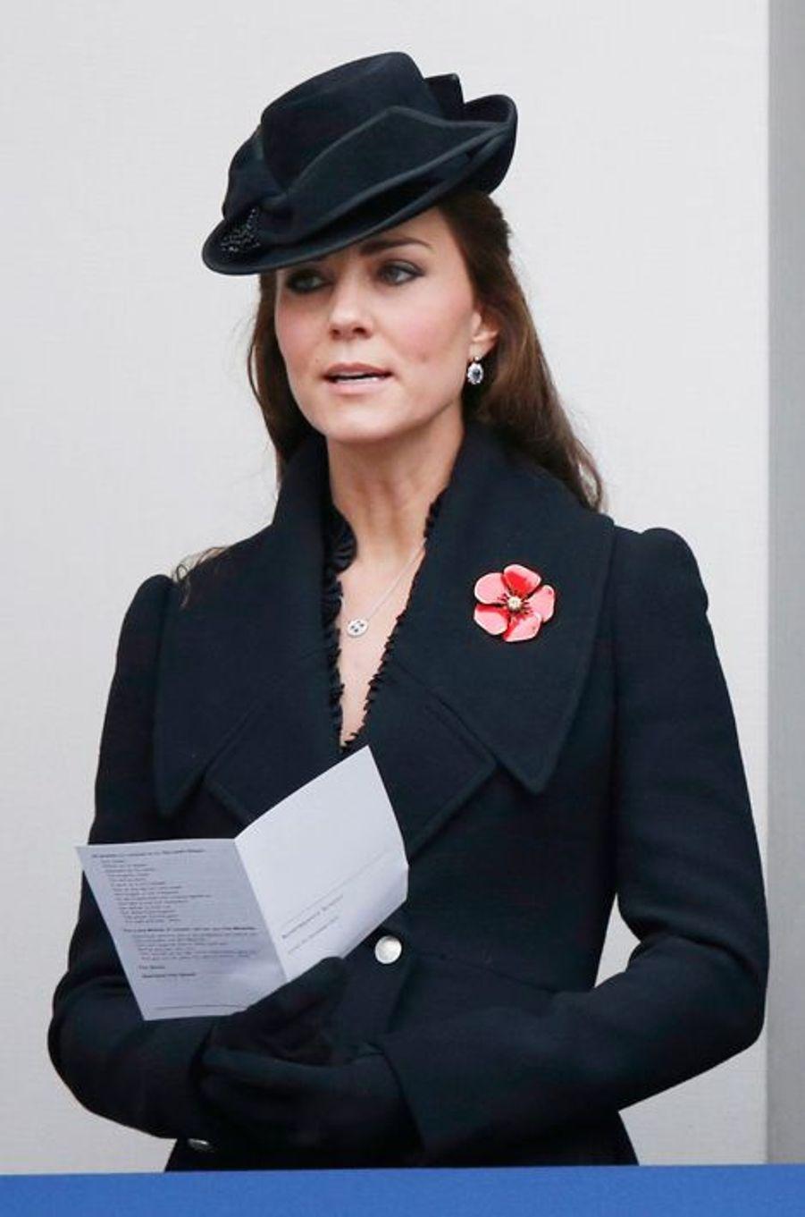 Kate en Alexander McQueen, le 8 novembre 2014