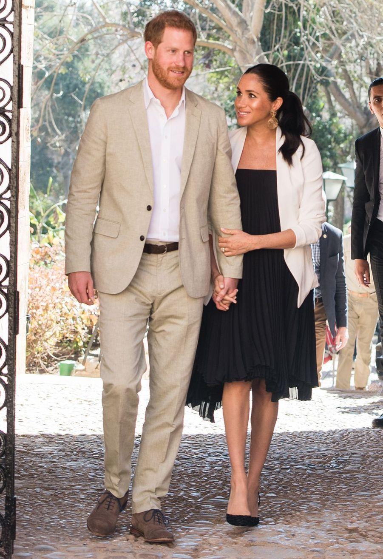 Meghan Markle en robe Loyd/Ford et veste Babaton lors de sa visite dans les Jardins Andalous à Rabat, le 25 février 2019