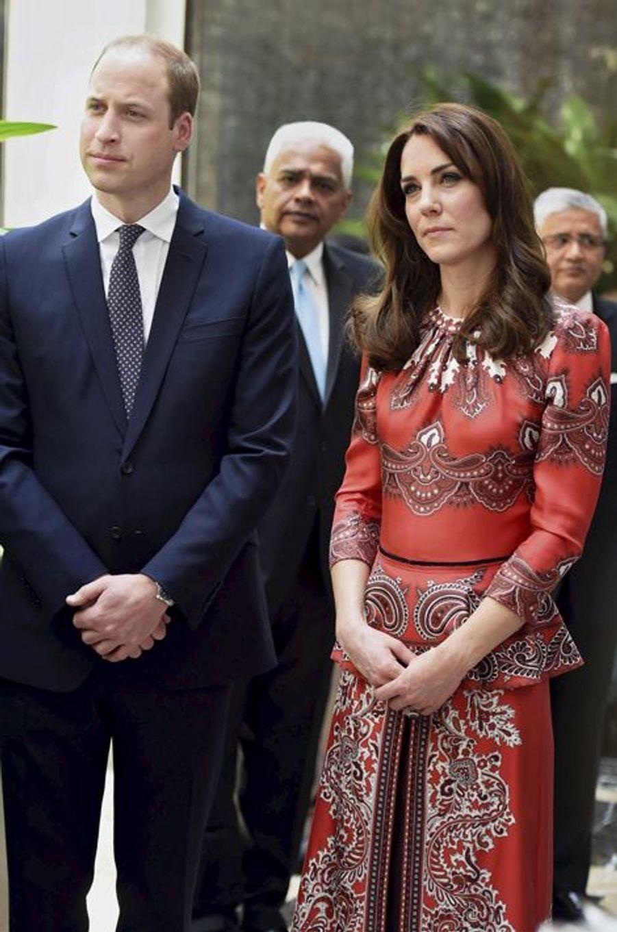 La duchesse Catherine de Cambridge en Alexander McQueen, le 10 avril 2016