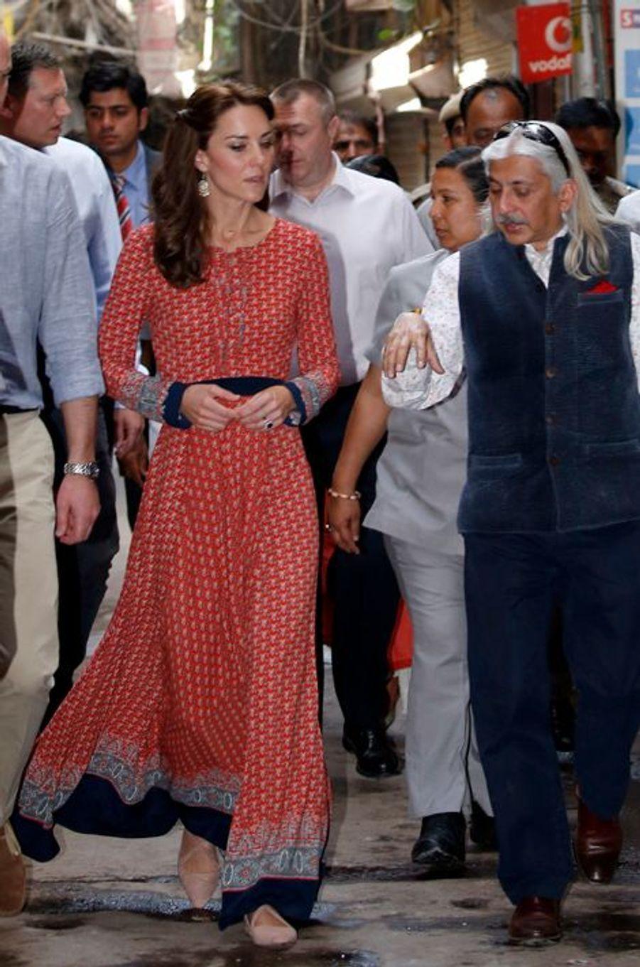 La duchesse Catherine de Cambridge en Glamorous, le 12 avril 2016