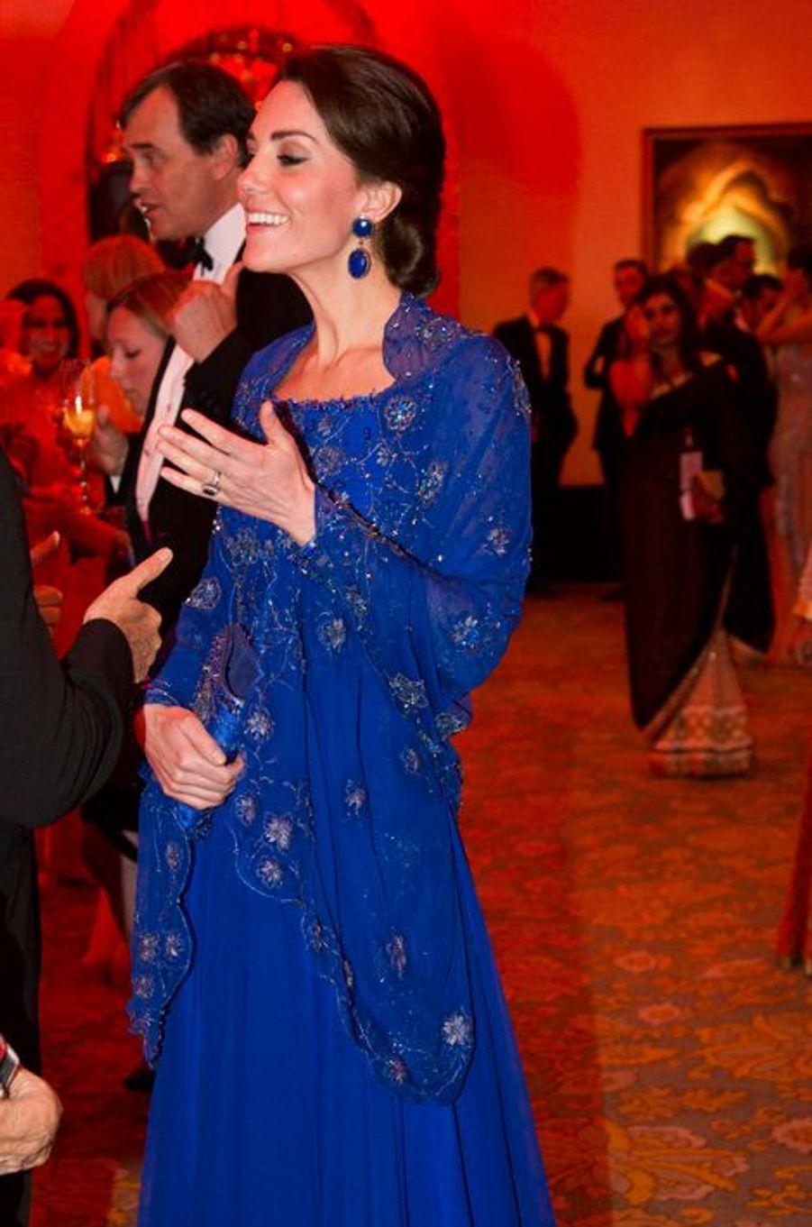 La duchesse Catherine de Cambridge en Jenny Packham, le 10 avril 2016